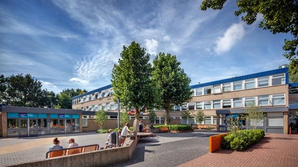 Gemeente staat voor 12 miljoen garant voor nieuwbouw for Lorentz lyceum